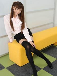 超纯嫩出水的美女学生妹黑色过膝袜甜美诱人写真