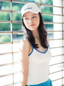 高颜值棒球帽美女大眼漂亮脸蛋