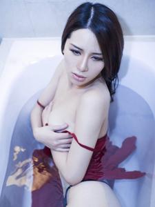 柔媚女神杜乔无限诱惑浴室艺术写真