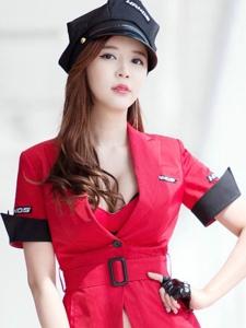 妖娆成熟警服女警帽开胸超短红艳靓丽写真