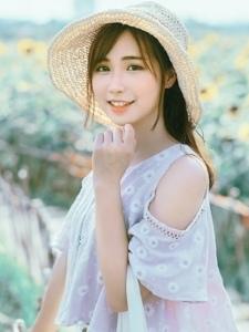 日本阳光邻家美女清新草帽粉嫩甜美写真
