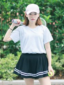 清新短發網球少女可愛寫真