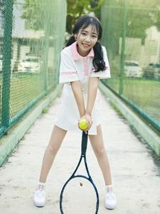 粉嫩少女活力网球写真清纯可人