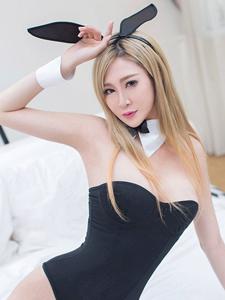 性感美女凰帝兔女郎制服诱惑写真