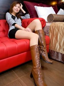 腿模Ivy毛衣短裤长靴美腿性感诱惑写真
