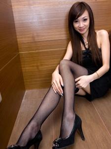 性感腿模Abby抹胸黑丝网袜诱惑写真