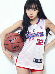 清純可愛美少女籃球寶貝寫真