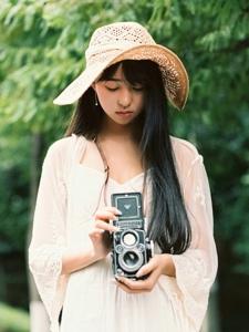 马路上的摄影美女高挑长裙美丽怡人