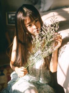 光影中的青春美少女温婉安静可人