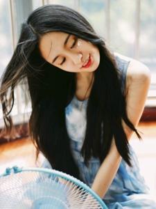 清纯妹子迷人眼眸清甜笑容