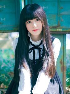 森系黑长直哥特式小萝莉甜美夏日裙摆养眼写真