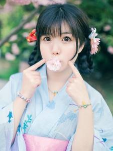 樱花树下的清新浴衣少女俏皮养眼沁人动人有魅力
