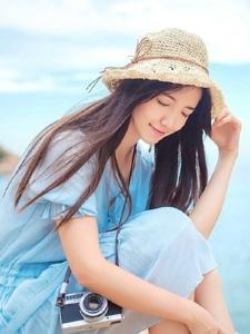 海岸边的连衣裙摄影美眉清纯柔美