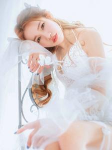 唯美白纱美眉漂亮脸蛋养眼迷人脸庞