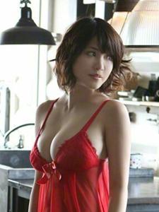 日本女星岸明日香性感内衣写真