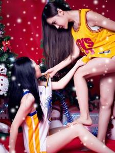 篮球姐妹花圣诞靓丽诱惑福利照