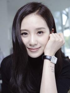 刘诗诗出席Chanel发布会清丽素雅
