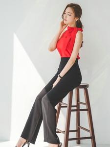 红衣阔腿裤美女高挑曼妙身材写真