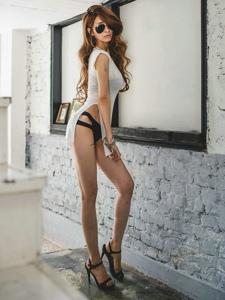 私房骨感美女高跟修长美腿诱人肤色