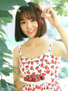 夏日清涼櫻桃少女可愛賣萌寫真