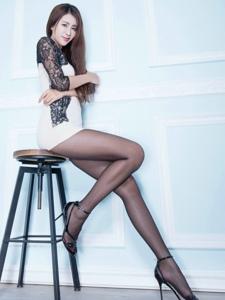 气质腿模Miso黑丝美腿性感绝伦