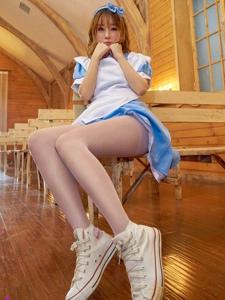 女仆制服美女王语纯丝袜翘臀大胆诱惑