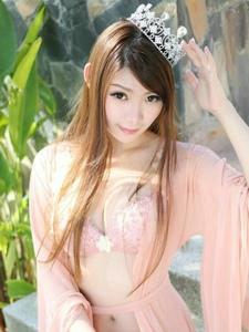 阳光气质美女透明粉红薄纱装性感诱惑很迷人