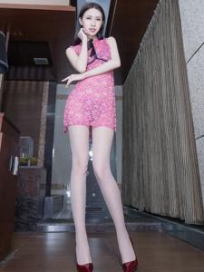 透视情趣短裙腿模Stephy长腿丝袜美艳动人