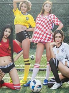 欧洲杯足球宝贝全家福大秀丰满傲人身材
