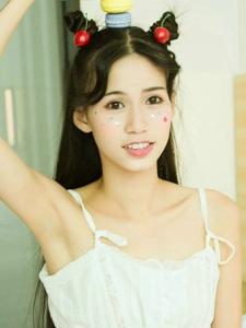 马卡龙甜美少女可爱嫩白肌肤