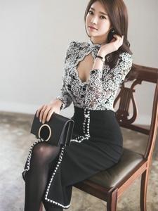蕾丝包臀裙模特美胸诱惑典雅范十足勾人