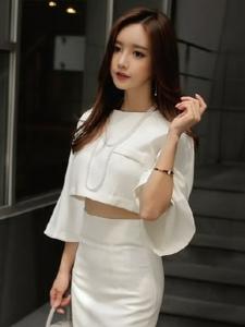 成熟美女时装模特韩款秋装写真