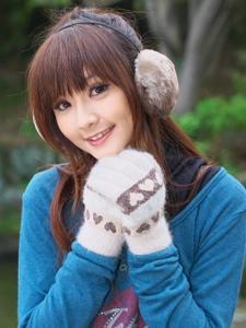 清冷秋季甜美少女粉嫩气质暖和人心