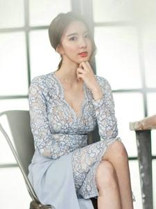 知性成熟美模蕾丝透视裙气质典雅美如画
