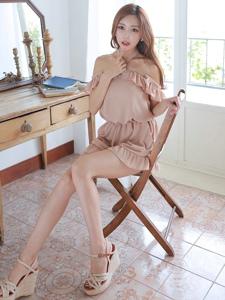 韩系婴儿肥嫩白皮肤长腿美女气质私房淡雅迷人