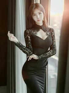 高领低胸蕾丝裙模特优雅端庄性感翘臀