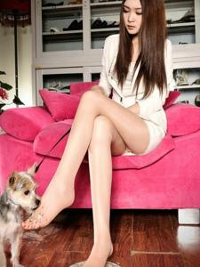 性感美女丝袜长腿妖娆挑逗写真