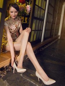 高挑旗袍腿模絲襪美腿妖媚秀色可餐