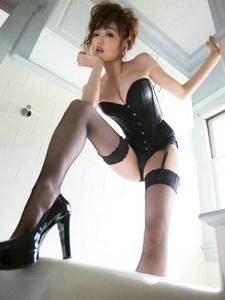 极品黑丝网袜美女诱人风姿彰显女王风范