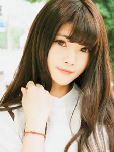 清纯少女阳光夏天的那一抹甜美的微笑