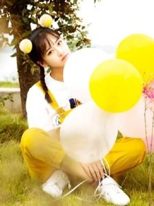 可愛氣球美少女青春靚麗活潑