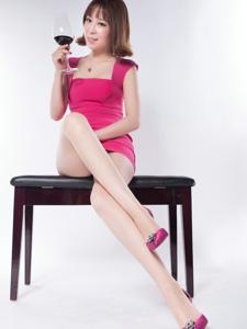 性感腿模Vivky长腿丝袜挑逗诱人写真