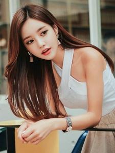 韓系精致服裝女神迷你短裙清純艷麗寫真