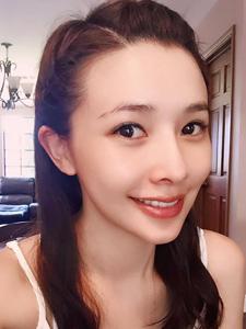 演员吴婉君精致的生活自拍