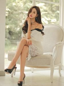 洁白私房里的气质美模时尚蕾丝裙优雅大方