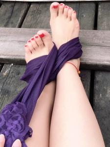 小图妹捆绑丝袜裸足诱惑写真