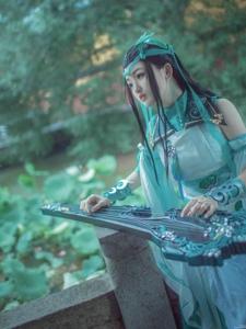 剑网3cos清新淡雅装扮弹琴