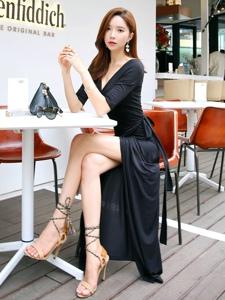 韩系墨镜美女开叉长裙露美腿诱惑写真