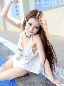 性?#26143;?#33216;纹身美女美胸泳衣湿身写真
