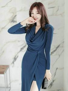 藍色妖姬高跟模特翹臀誘惑秀白皙光滑長腿